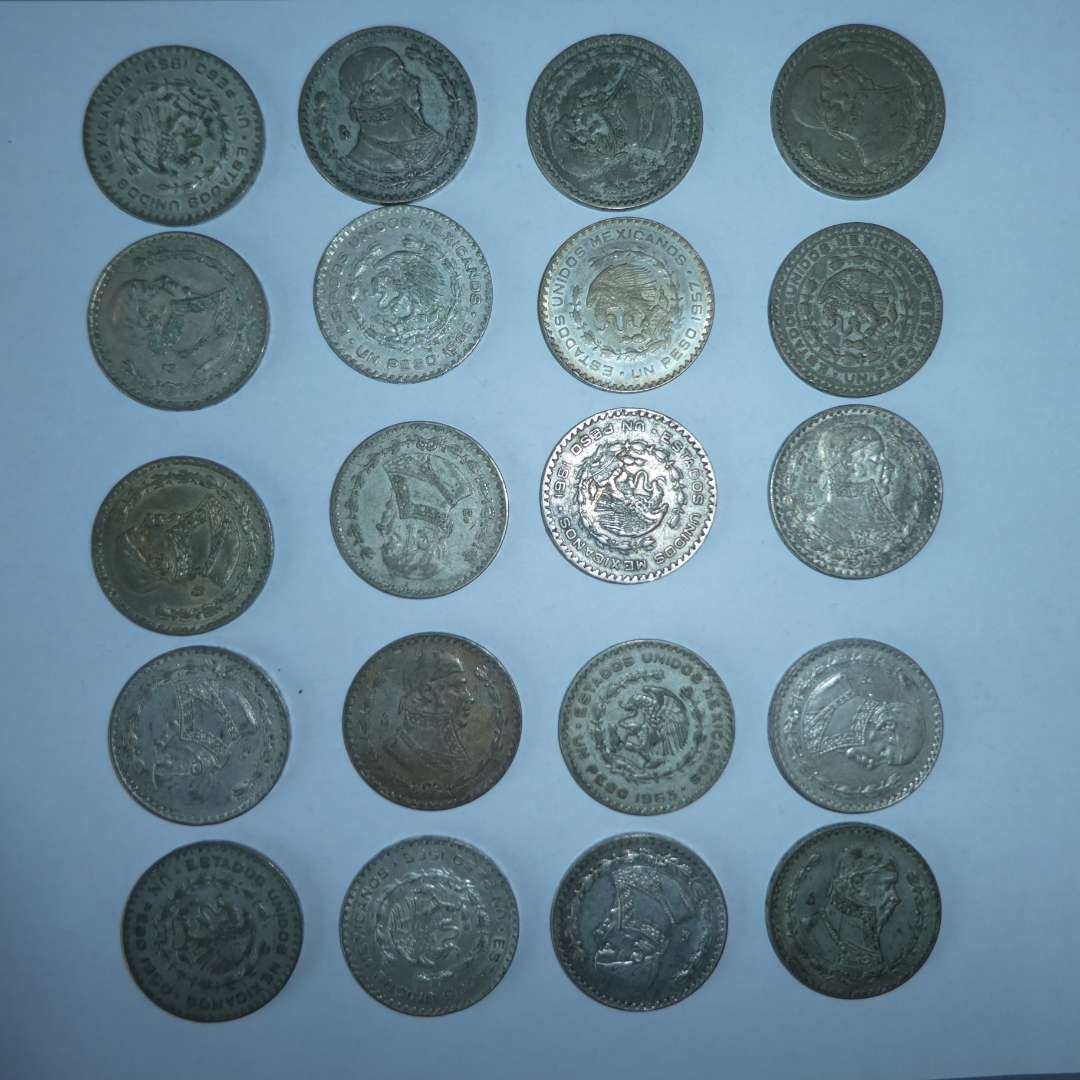 Lot # 13 -20 Mexican Silver Peso's (1957-1966) (main image)