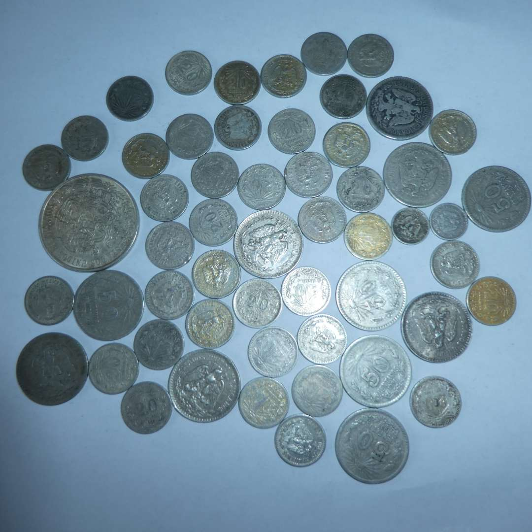 Lot # 15 - Assorted Silver Mexican Coins, One - 1977 Cien Pesos Coin,10 - 50 Centavo Coins (1920 to 1944),41 - 20 Centavo Coins (main image)