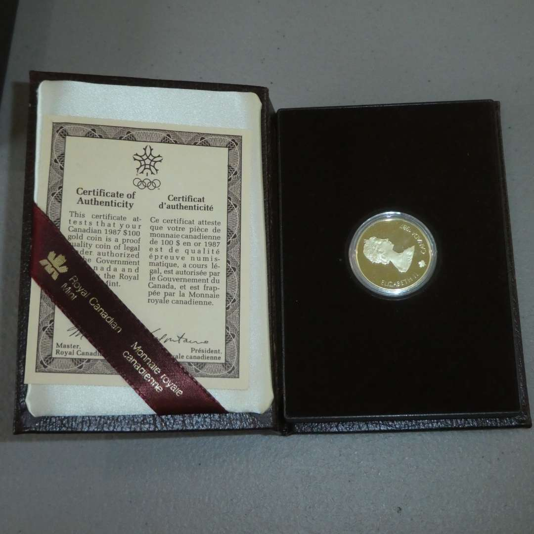 Lot # 26 - 1967 Royal Canadian 100 Dollar Gold Coin - w/ Case & Certificate 90% Gold, 0.52 oz (main image)