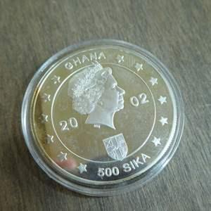 Lot # 114  - 2002 Ghana 500 Sika Silver Proof Crown Jubilee