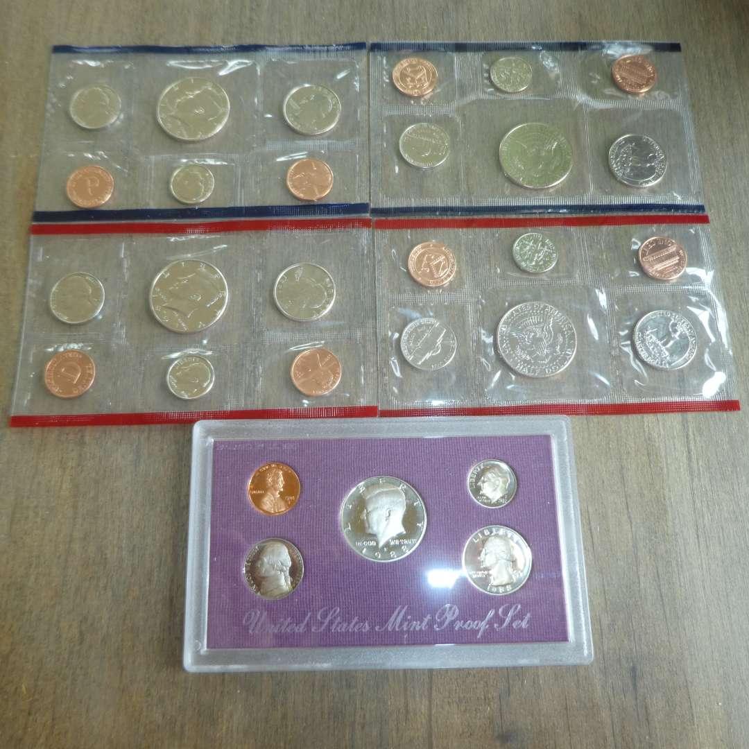 Lot # 115 -1988 US mint Proof Set - 5 pc, 1991 D & P - US Uncirculated Coin Sets (2 sets) (main image)