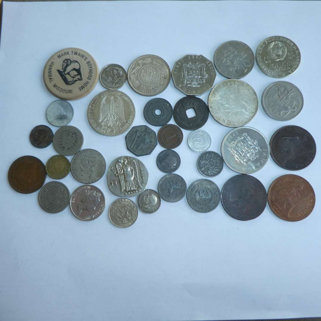Lot # 129 - Misc. Collectible Foreign Coins including 1966 Bahamas Silver 1-Dollar Coin (main image)