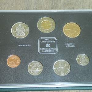 Lot # 134 - 2001 - Royal Canadian Mint - Specimen Set (6 pc) of Canadian Coinage