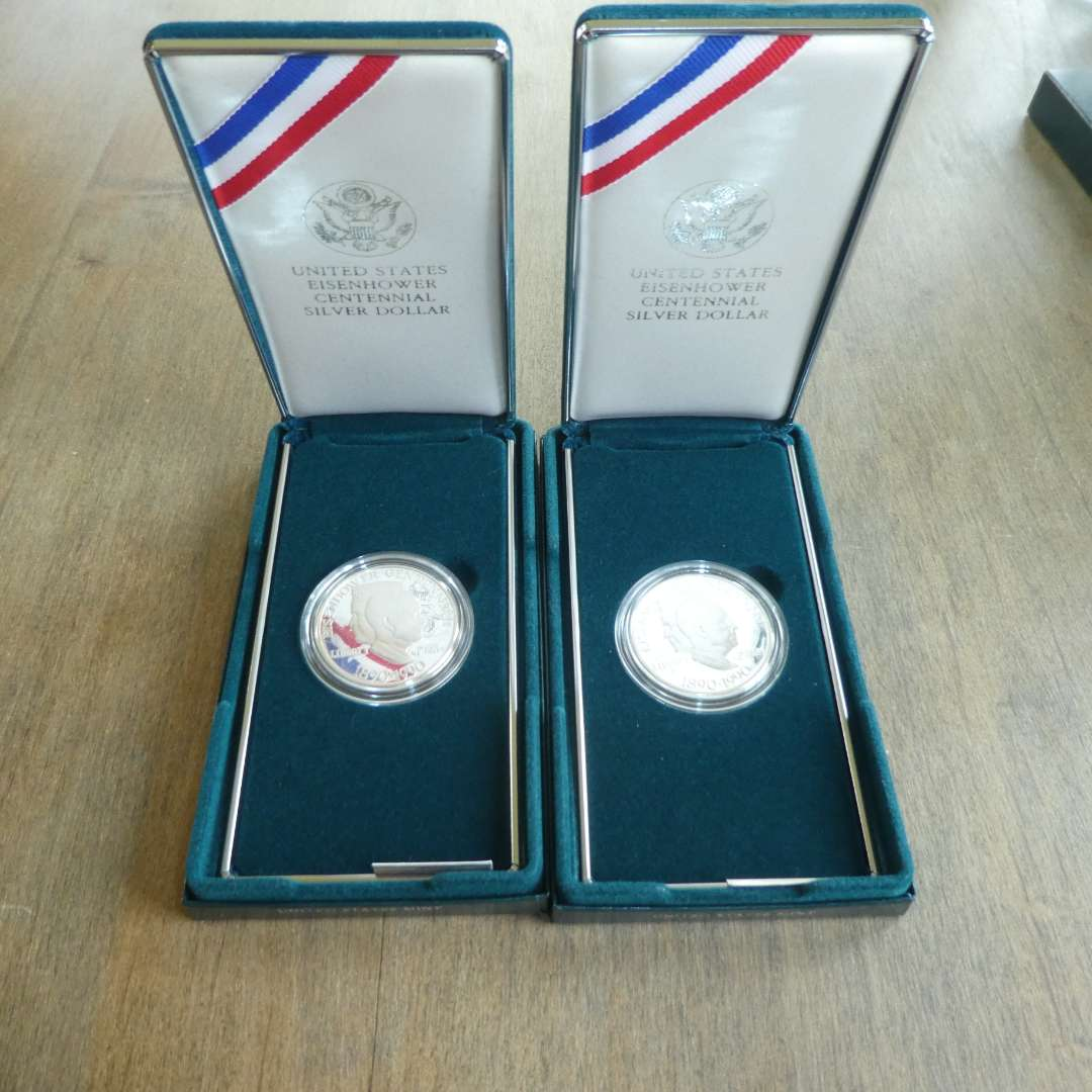 Lot # 142 -1990 US Mint Eisenhower Silver Dollar (2 count) w/ Cases (main image)