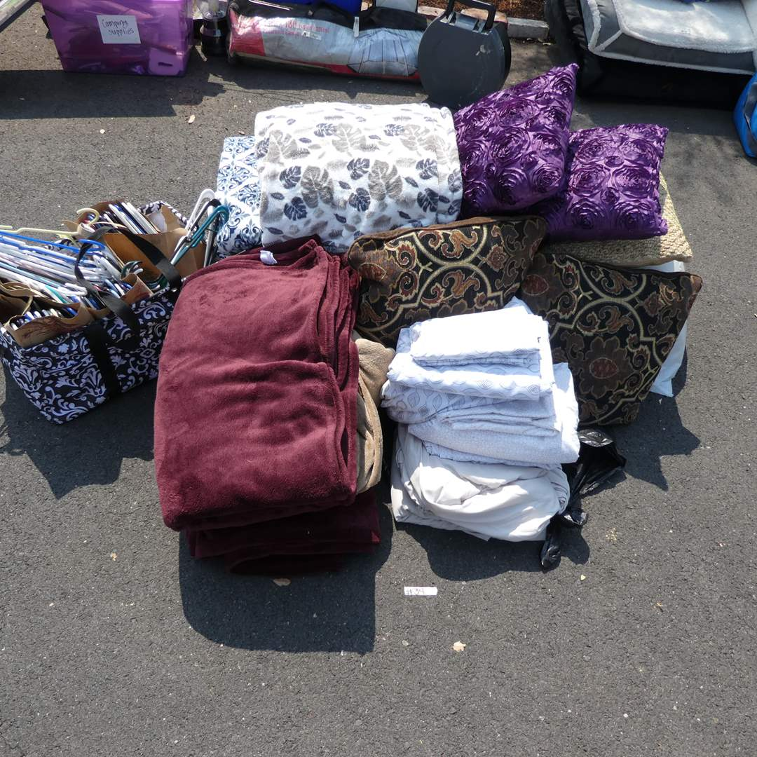 Lot # 34 - Blankets, Pillows, Hangers And Totes (main image)