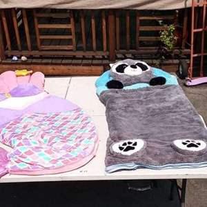 Lot # 17 - Fun Kids Sleeping Bags (2)