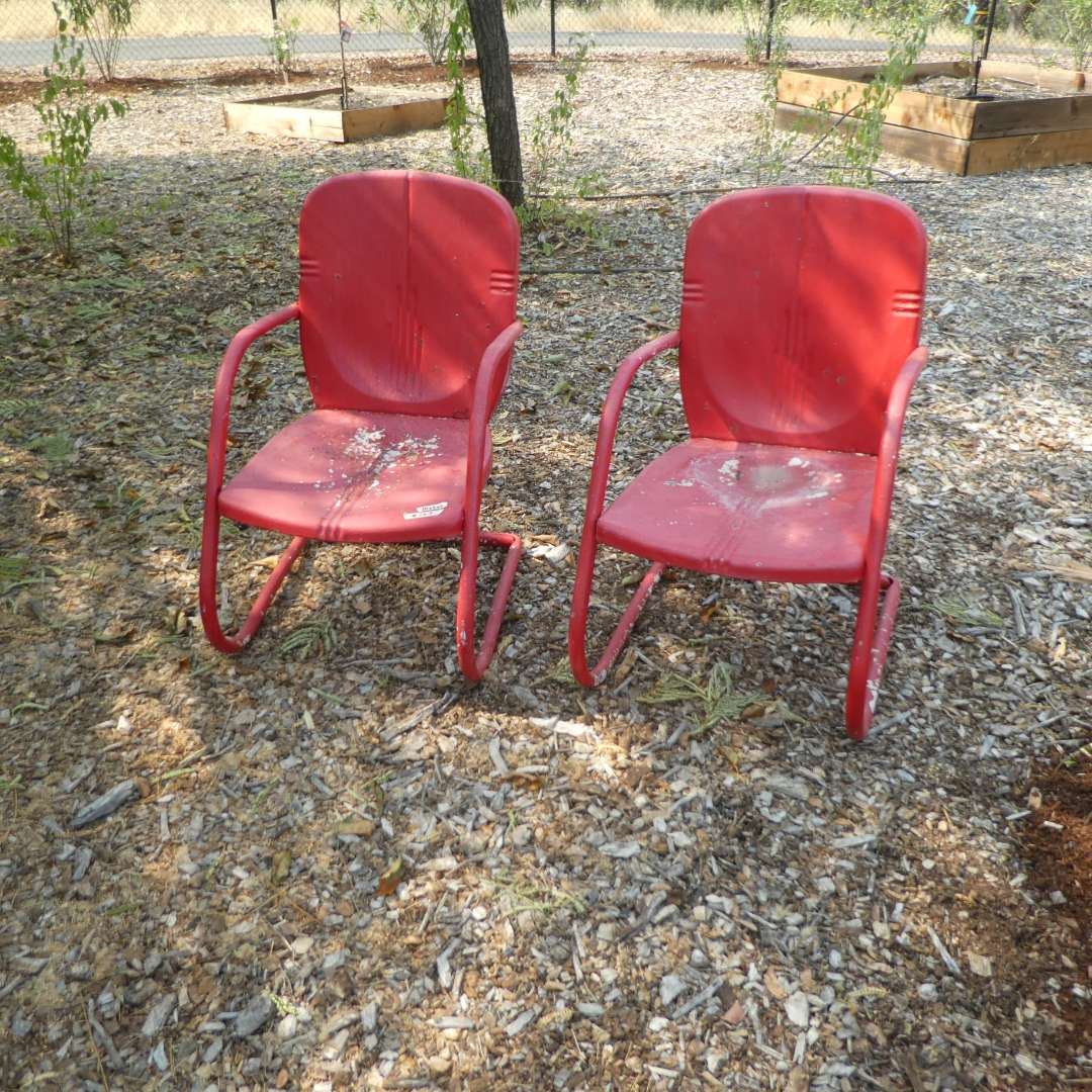 Lot # 157 - Vintage Metal Patio Chairs ( Could Use Some TLC) (main image)