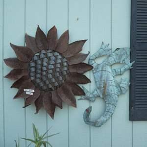 Lot # 158 - Beautiful Sunflower & Gecko Outdoor Metal Wall Art