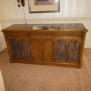 Lot # 56 - Vintage Sylvania Stereo Console Model SC 29 8BT - Works