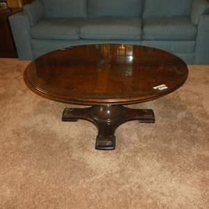 Lot # 72 - Vintage Knob Creek Adjustable Height Round Coffee Table w/Glass Top