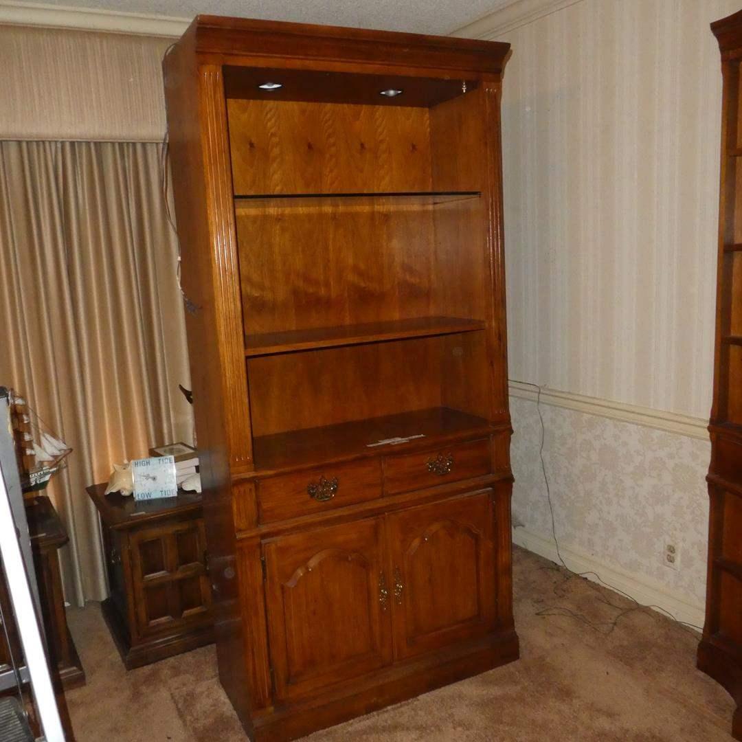Lot # 86 - Thomasville Furniture Lighted Shelf Cabinet (Dovetailed Drawer) (main image)