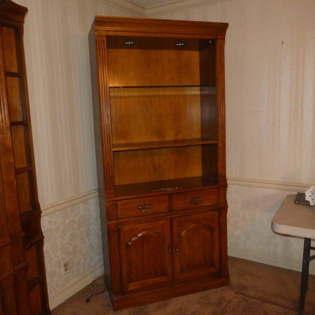 Lot # 87 - Thomasville Furniture Lighted Shelf Cabinet (Dovetailed Drawer) (main image)