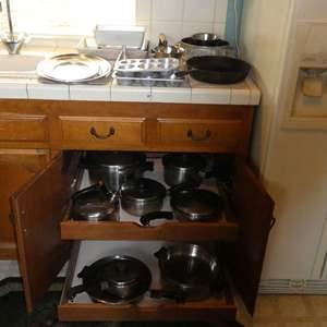 Lot # 5 -Pots, Pans, Various Bakeware