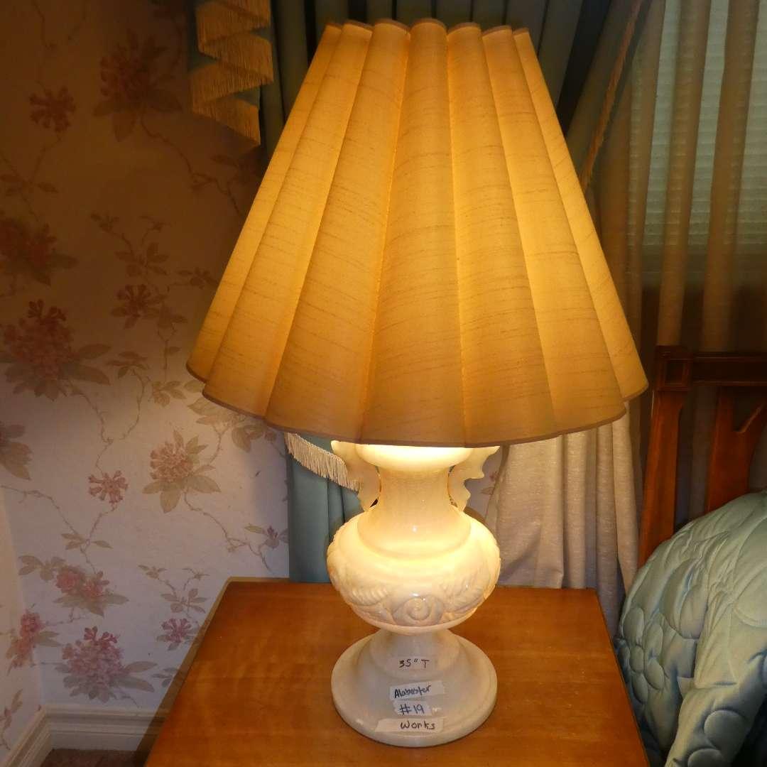 Lot # 19 - Amazing Vintage Large Alabaster Lamp w/ 3 way switch (main image)