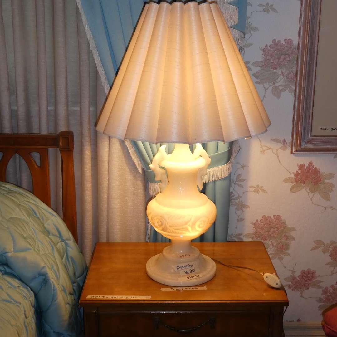 Lot # 20 - Amazing Vintage Large Alabaster Lamp w/ 3 way switch (main image)