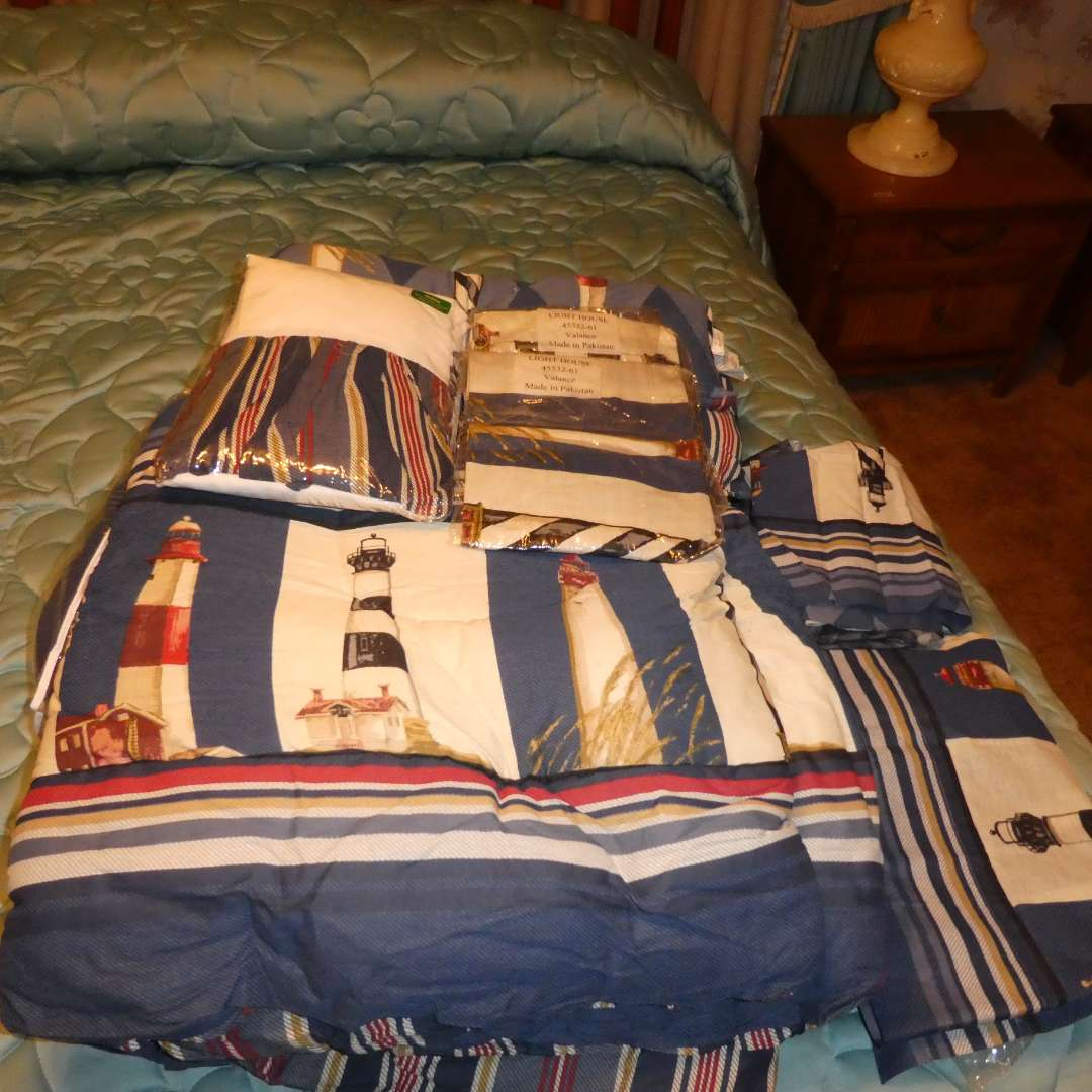 Lot # 32 - Lighthouse Bed Set (Queen) (main image)