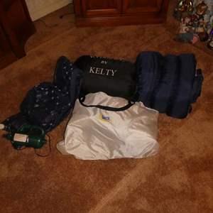 Lot # 39 - Serta Air Bed With Built In Pump, Sleeping bags, Air Pump