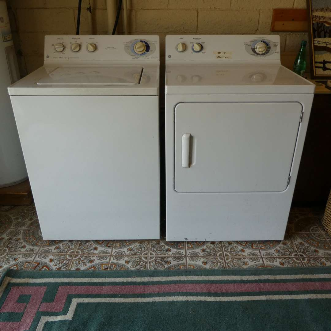 Lot # 42 - GE Electric Washer & Dryer (main image)