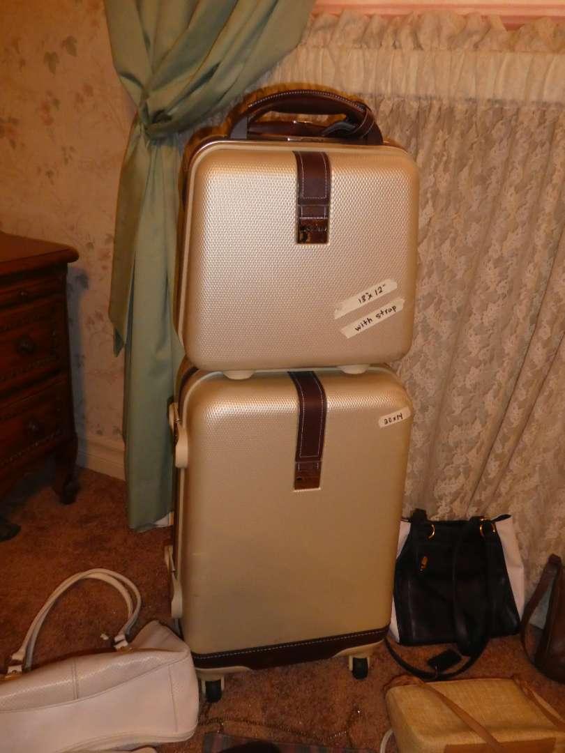 Lot # 259 - Like New Luggage & Vintage Purses (main image)