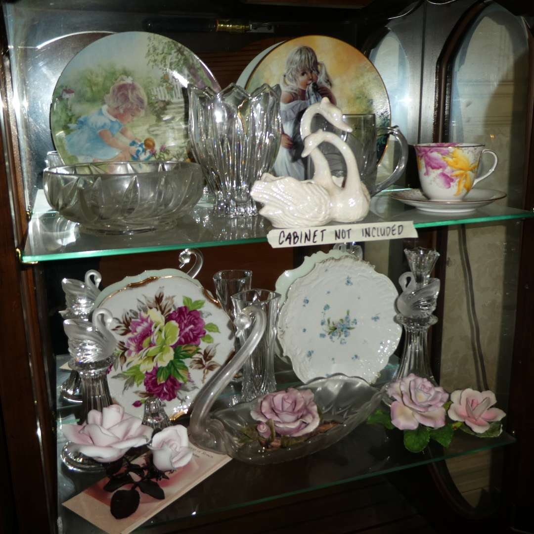 Lot # 191 - Collectible Swans, Plates, Porcelain Roses & More!  (main image)