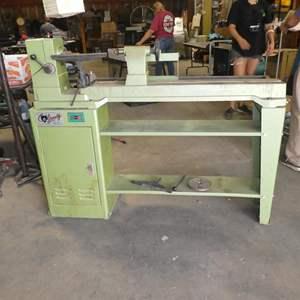 Lot # 205 - Grizzly Heavy Duty Wood Lathe