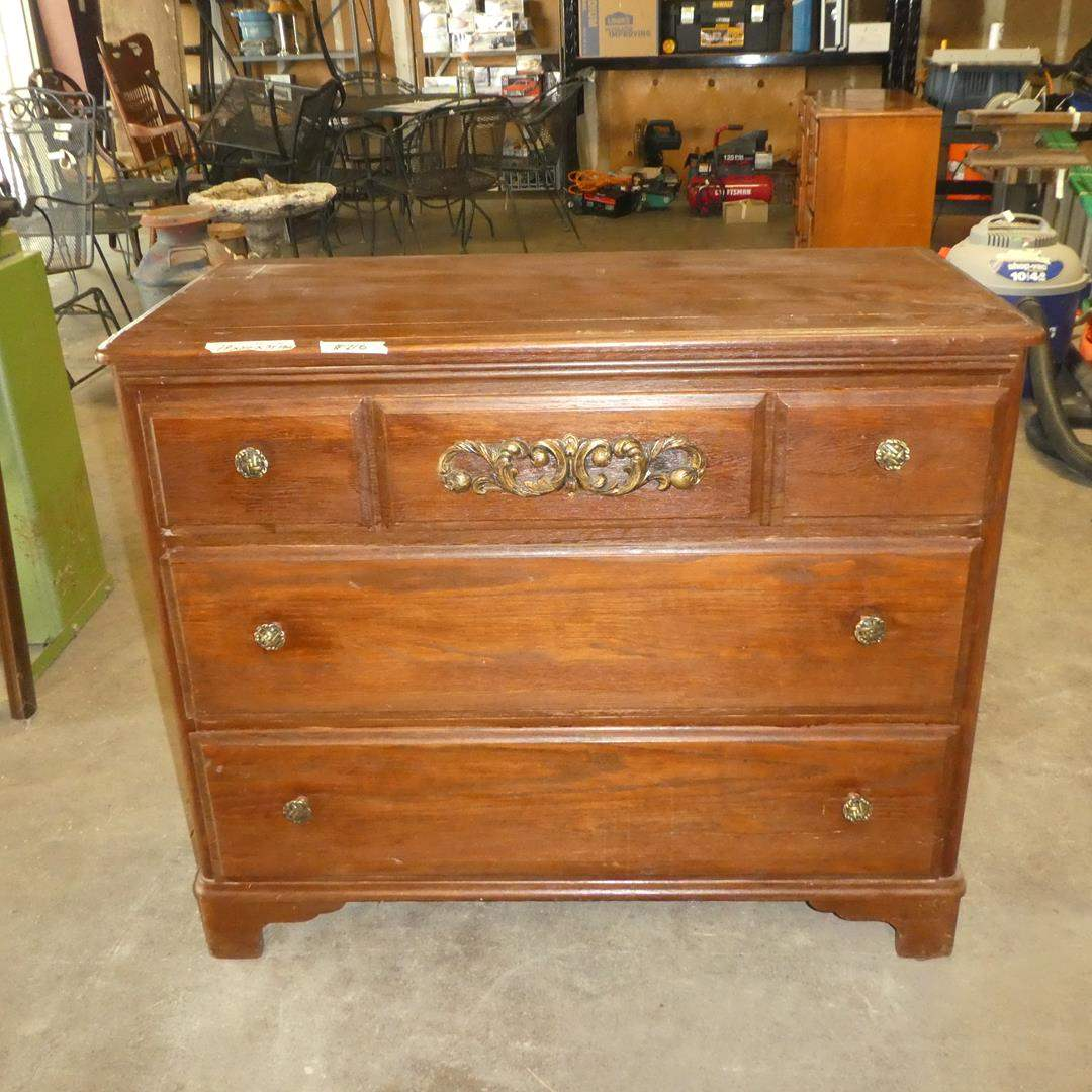 Lot # 216 - Vintage 3 Drawer Chest (Dovetailed Drawers) (main image)