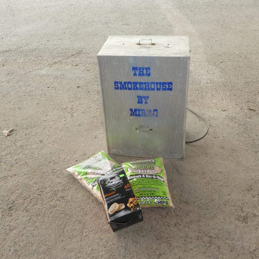 Lot # 231 - Electric Smoker & Chips (main image)