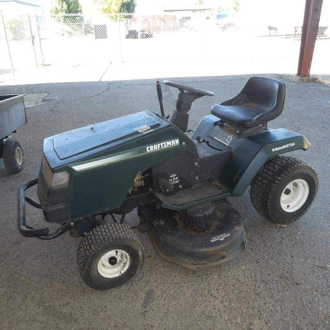 Lot # 236 - Craftsman Riding Lawn Mower (Fires Up w/Starting Fluid - Needs Battery - Tires Show Wear & need air) (main image)