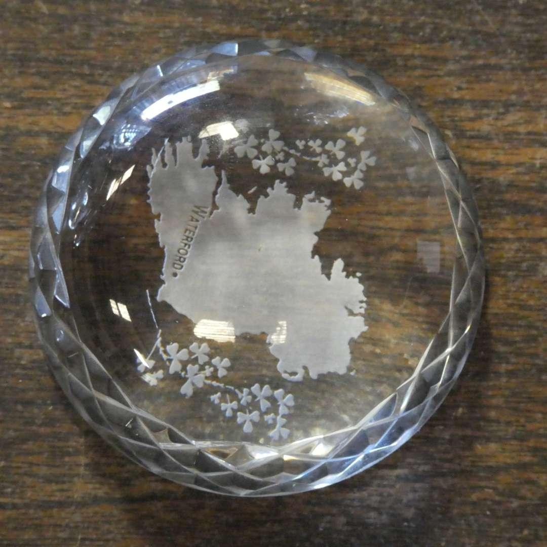 Lot # 161 -Glass figurines (main image)