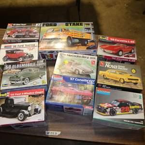 Lot # 253 - Model Car Kits
