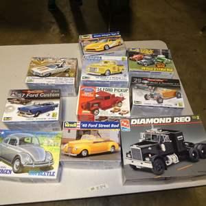 Lot # 254 - Model Car Kits