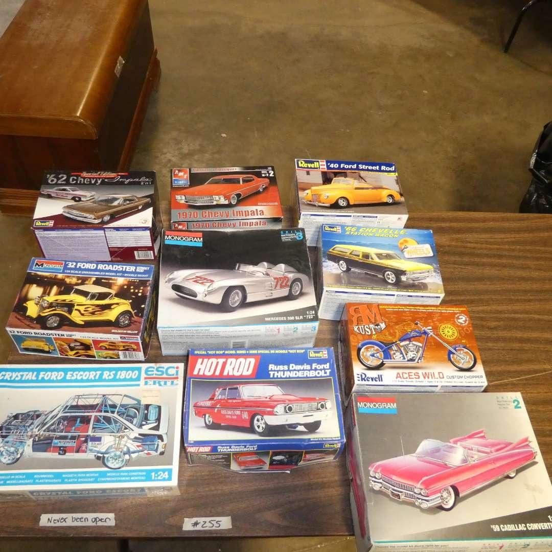 Lot # 255 - Model Car Kit (main image)