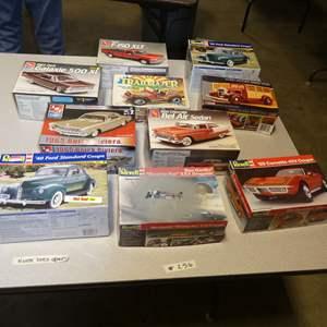 Lot # 256 - Model Car Kits