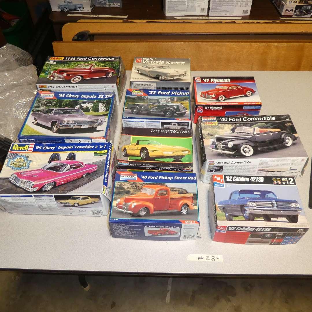 Lot # 284 - Model Car Kits (main image)