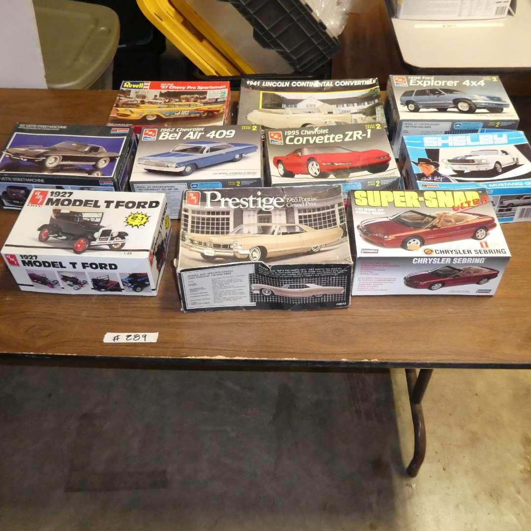 Lot # 289 - Model Car Kits (main image)