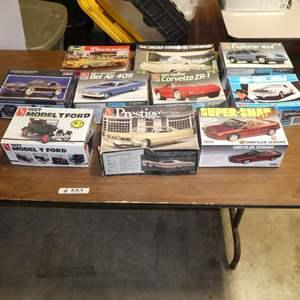 Lot # 289 - Model Car Kits