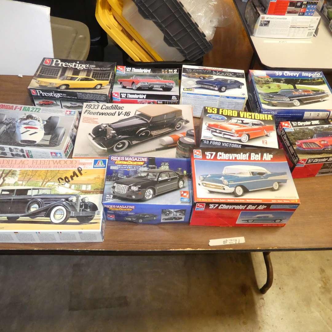 Lot # 291 - Model Car Kits (main image)