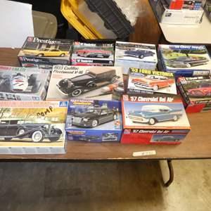Lot # 291 - Model Car Kits