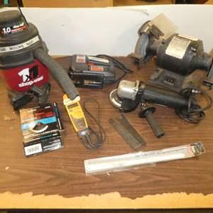 Lot # 78 - Craftsman Grinder, Skil Jig Saw, Bench Grinder & More
