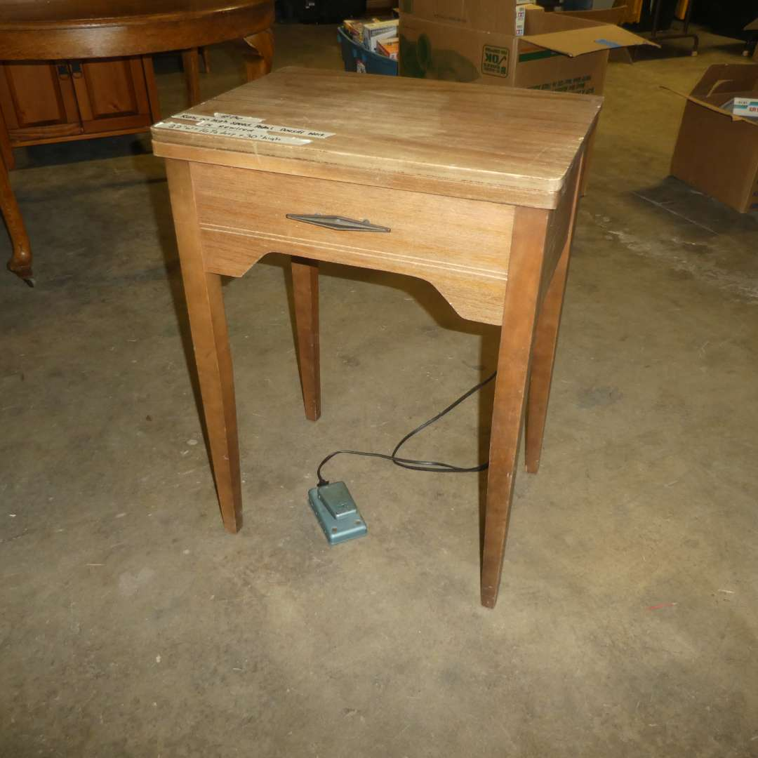 Lot # 86 - Vintage Sewing Table w/ Morse Sewing Machine (Electrical Needs Work) (main image)