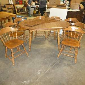 Lot # 88 -Vintage S Bent Bros. Colonial Style Dining Table & 8 Colonial Style Chairs