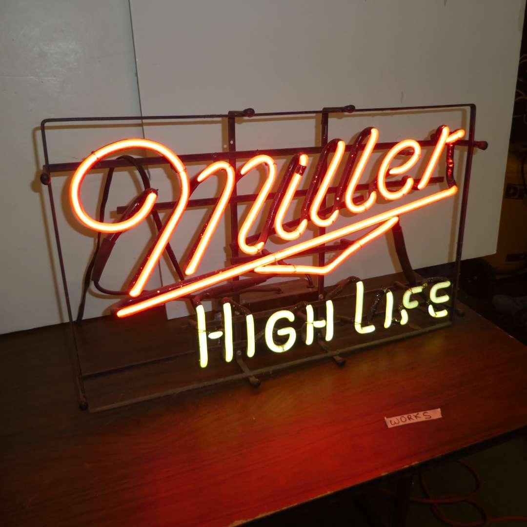 Lot # 313 - Vintage Miller High Life Neon Sign (main image)