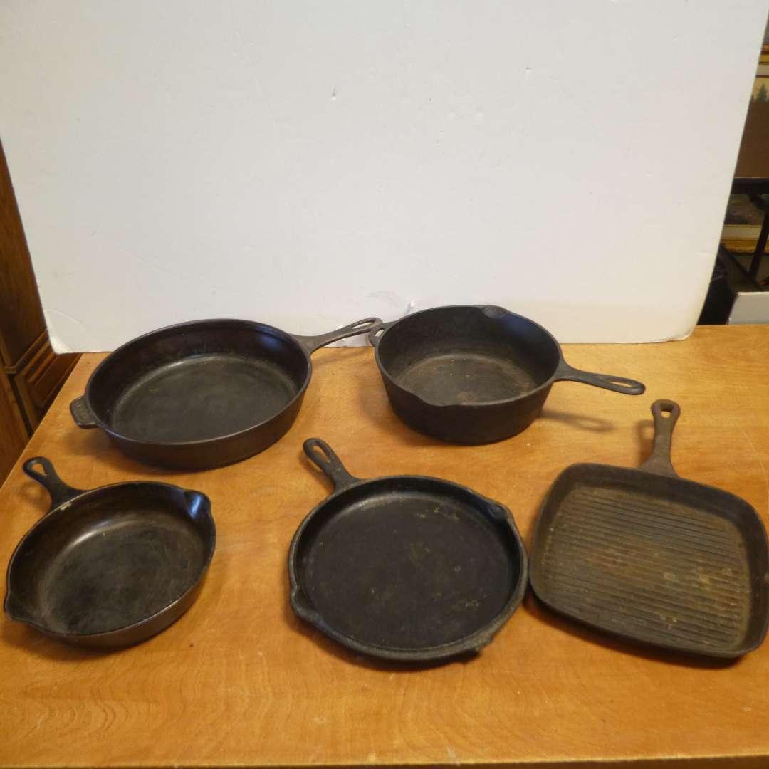 Lot # 319 - Five Cast Iron Skillets (Various Sizes) (main image)