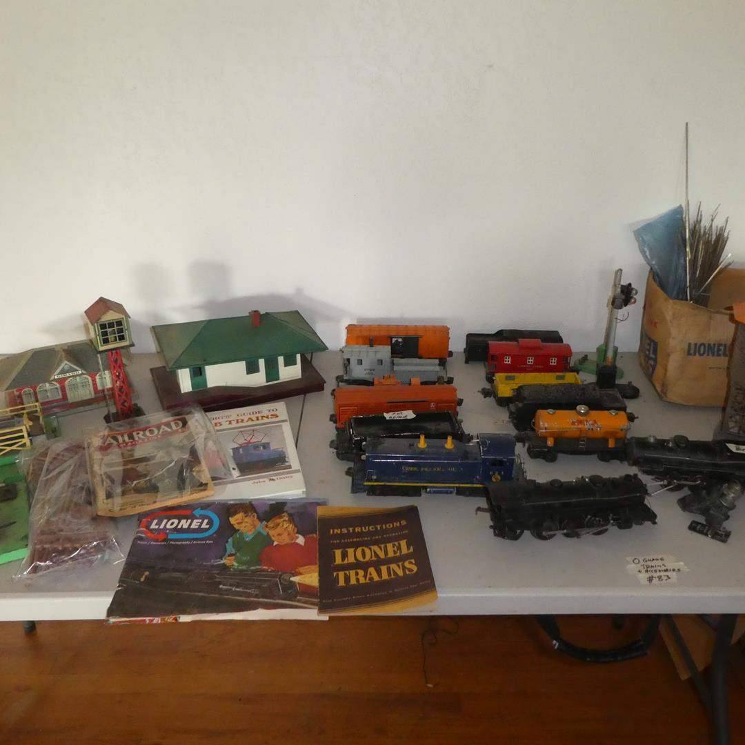 Lot # 83 - Vintage O Gauge Trains & Accessories (main image)