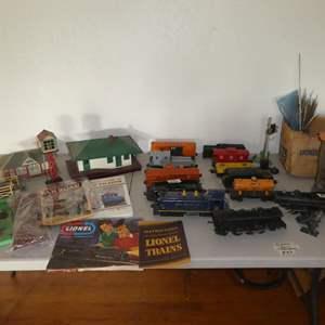 Lot # 83 - Vintage O Gauge Trains & Accessories
