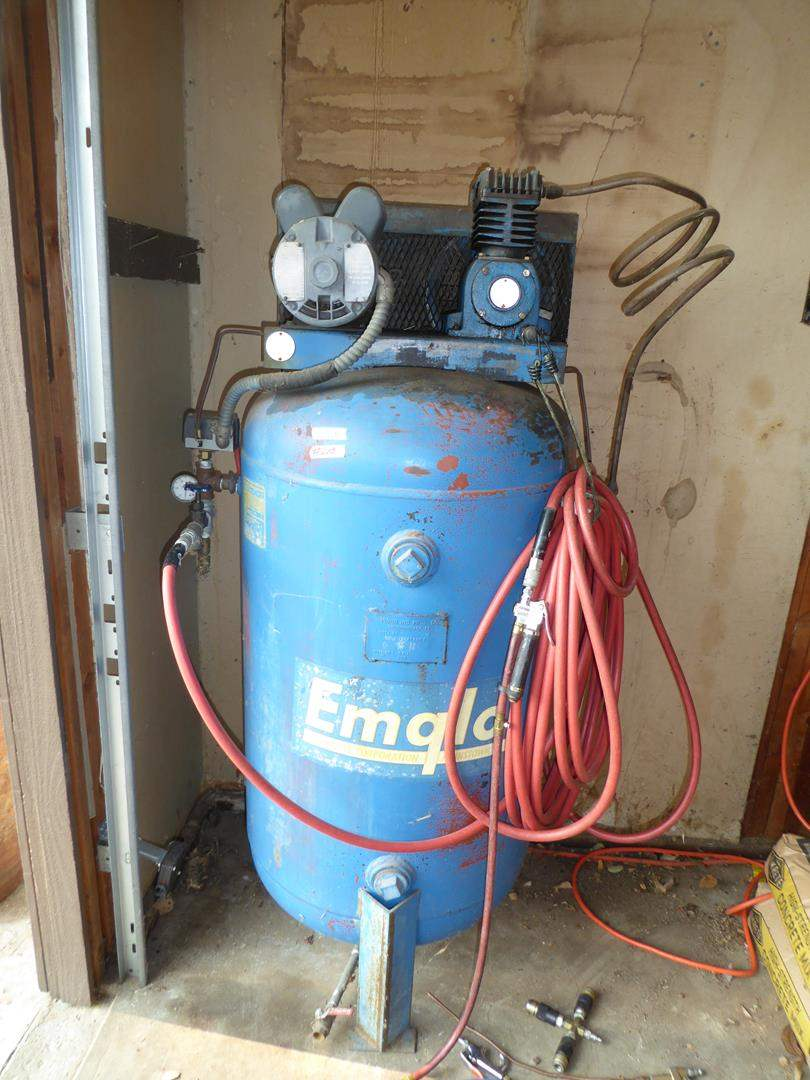 Lot # 248 - Emglo Air Compressor 110 Volt (main image)
