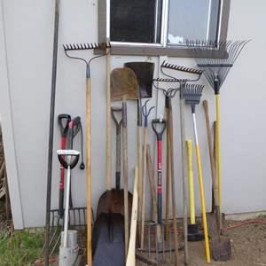 Lot # 263 - Yard & Garden Tools