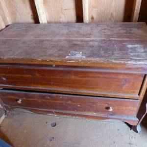 Lot # 287 - Antique/Vintage Cedar Chest w/Drawer