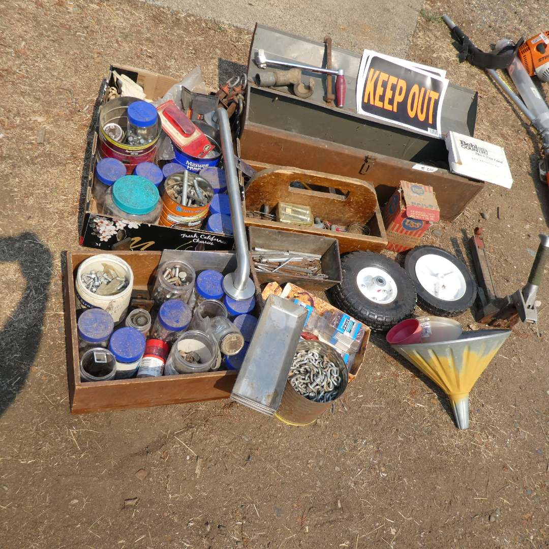 Lot # 201 - Screws, Nails, Chains, Misc. Hardware Accessories (main image)