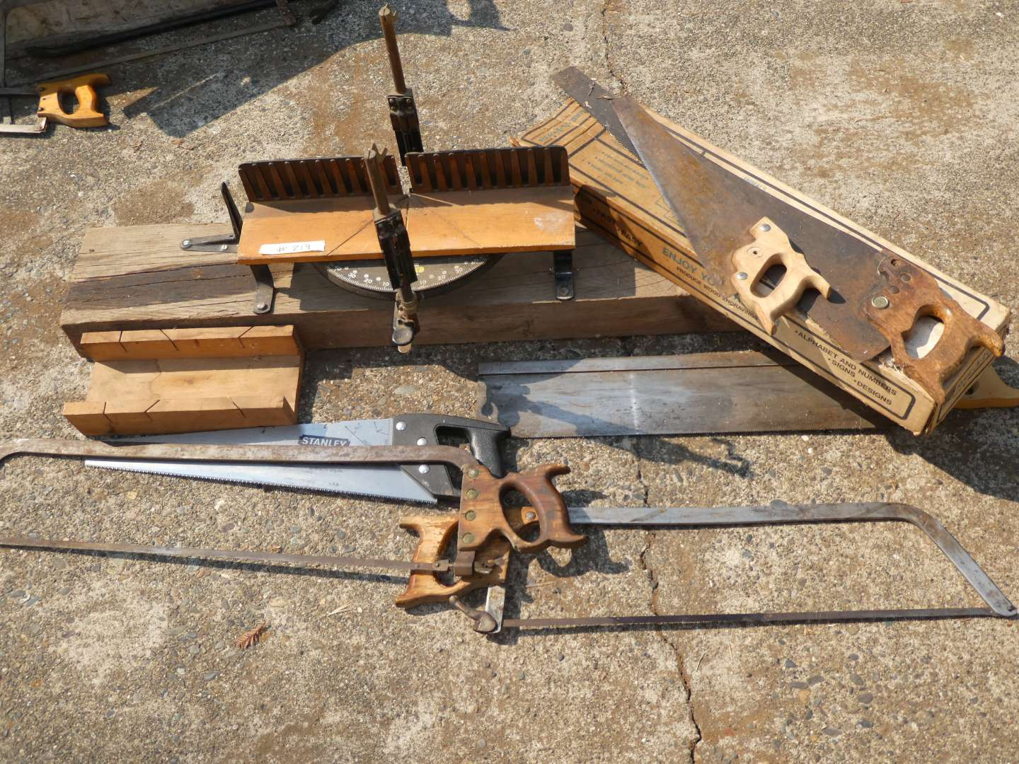 Lot # 219 - Hand Saws &  A Stanley Mitre Box Carpentry Tool (main image)